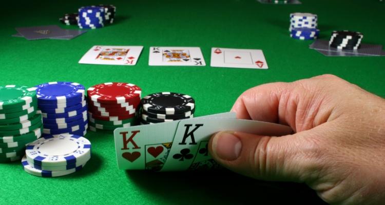 Panduan Bermain Texas Poker Online